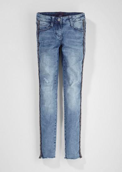 Skinny Suri: džíny s lampasy