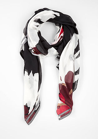 Delicate scarf with an all-over print from s.Oliver