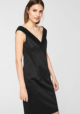 Elegantní saténové šaty