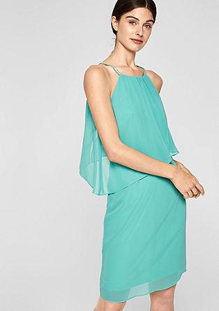 Volánové šaty sodhalenými rameny