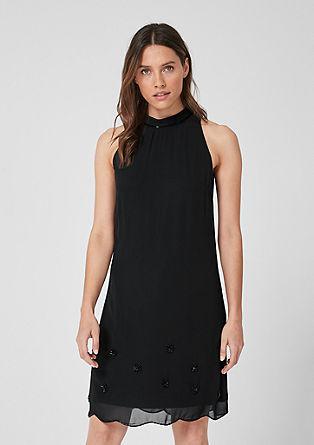 Šifonové šaty sozdobnými perličkami