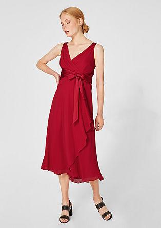 Obleka iz šifona z satenasto pentljo