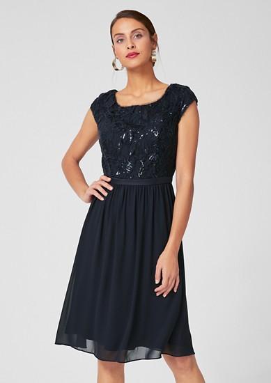 Kleid mit Spitze und Chiffon