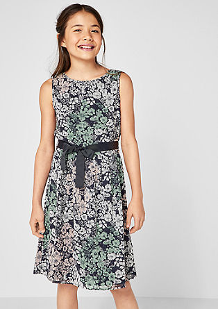 Obleka iz šifona z vzorčastim potiskom