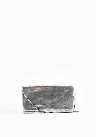 Clutch in Glanz-Optik