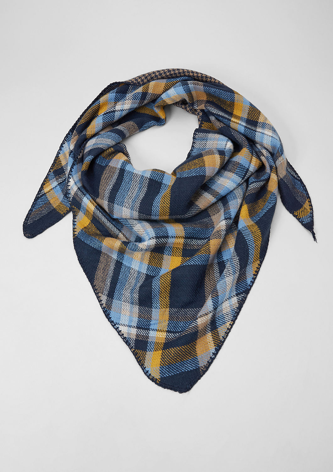 new products d1fad fd200 Buy Woven triangular scarf | s.Oliver shop