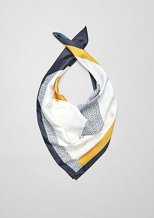 Saténový šátek snatištěným vzorem
