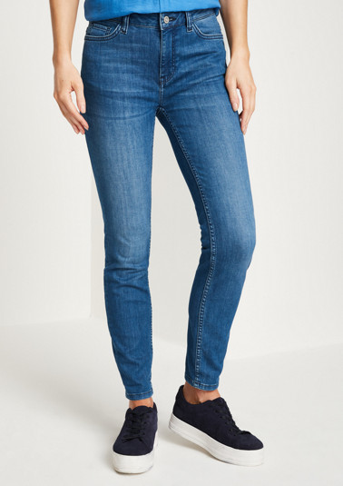 Jeans in an exciting vintage look from comma