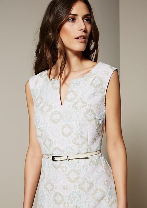 Elegantes Abendkleid mit aufregendem Jacquardmuster