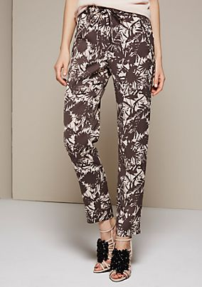Casual trousers with a beautiful all-over print from s.Oliver