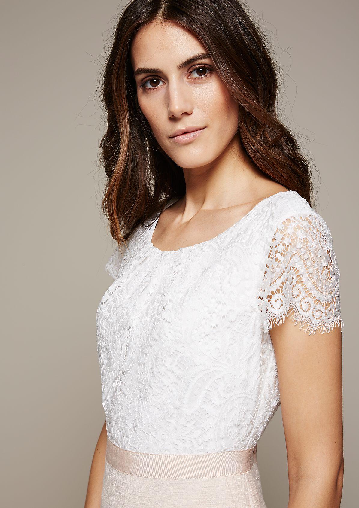 Glamouröses Abendkleid mit hauchzartem Spitzenbesatz