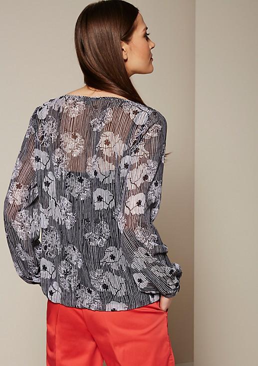 Zarte Kreppbluse mit dekorativem Allovermuster