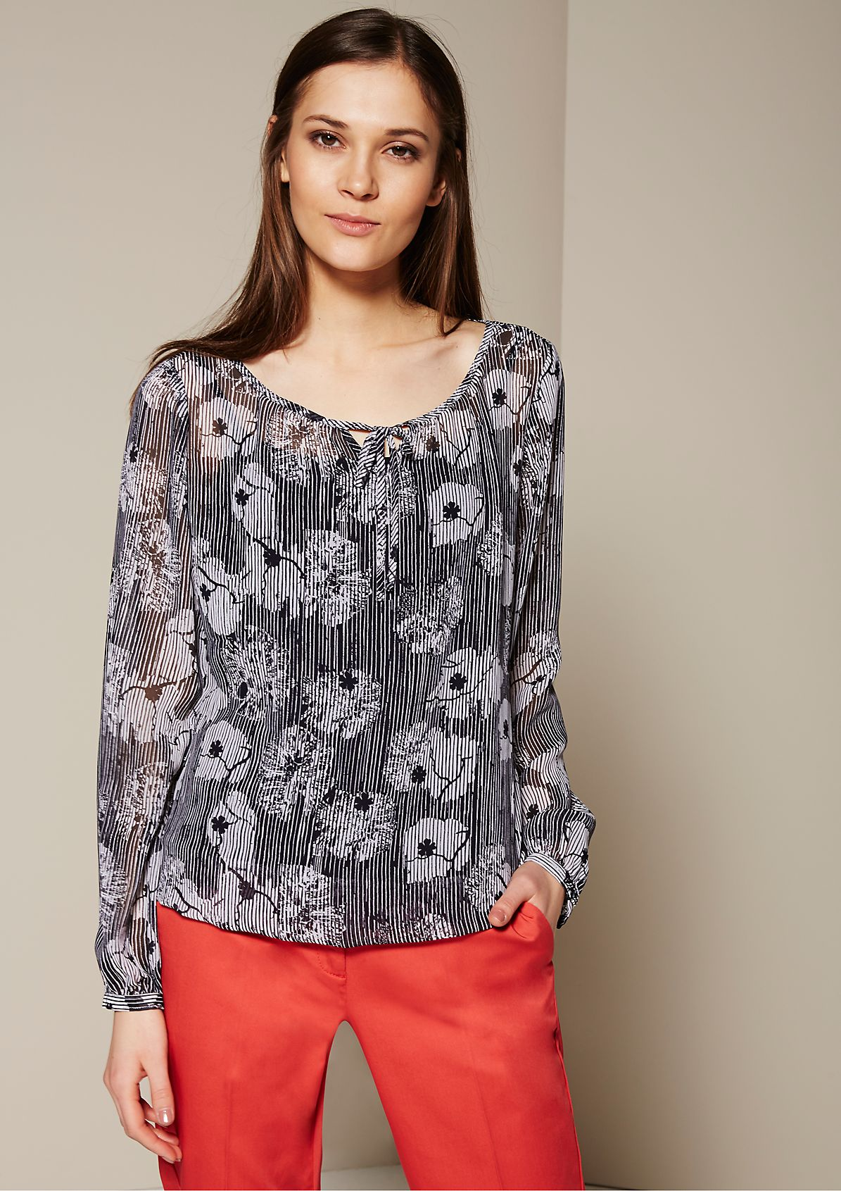 Delicate crêpe blouse with a decorative all-over pattern from s.Oliver