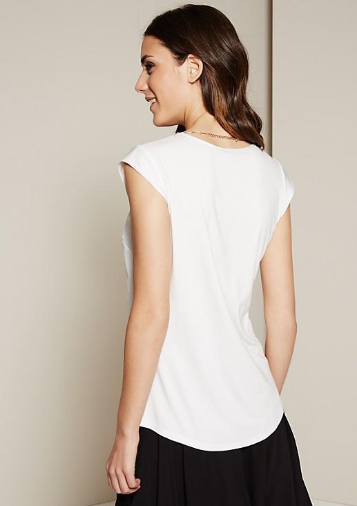 Schönes Kurzarmshirt mit glamourösem Schmuckbesatz