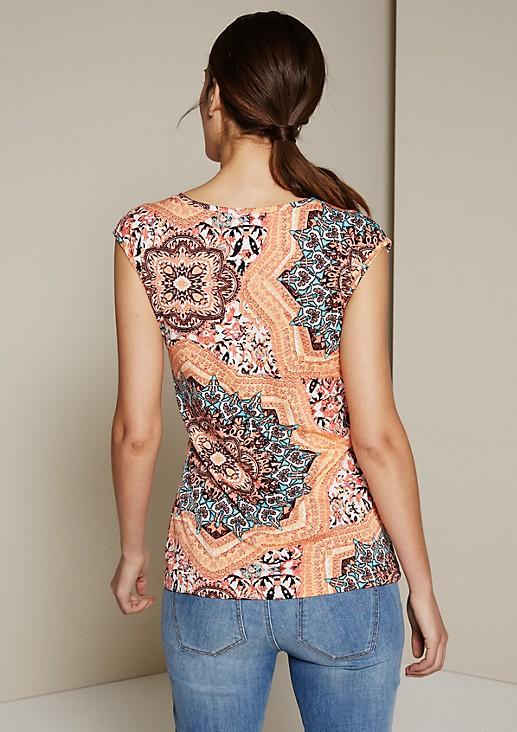 Feminines Kurzarmshirt mit farbenfrohem Alloverprint