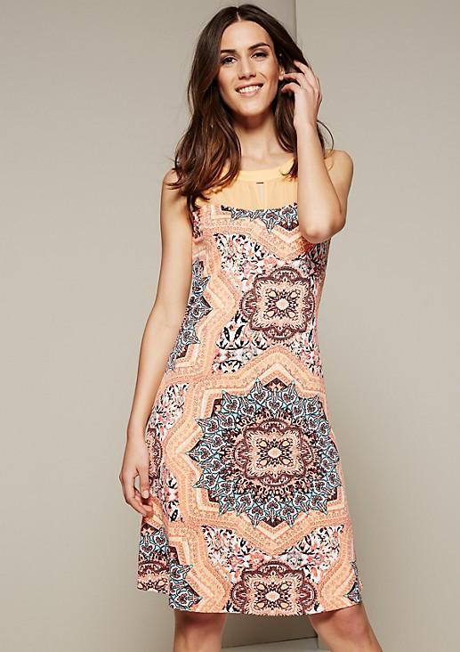 Leichtes Sommerkleid mit schönem Alloverprint