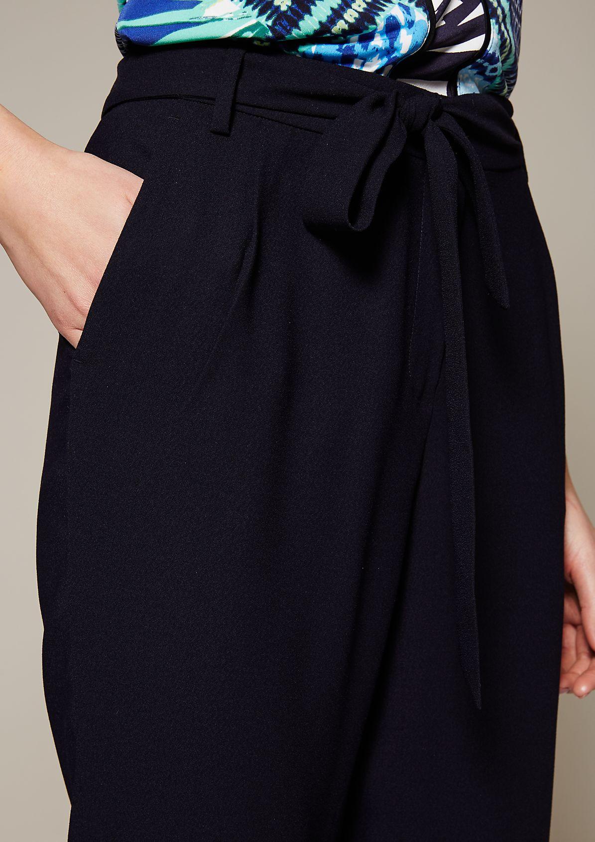 Leichte Businesspants mit breitem Stoffgürtel