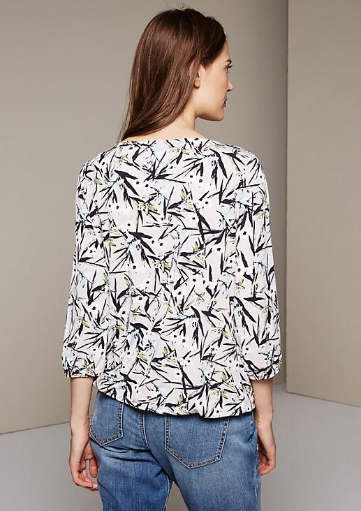 Luftiges 3/4-Arm Shirt mit farbenfrohem Alloverprint