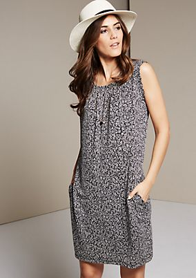 Sleeveless jersey dress with a beautiful all-over print from s.Oliver