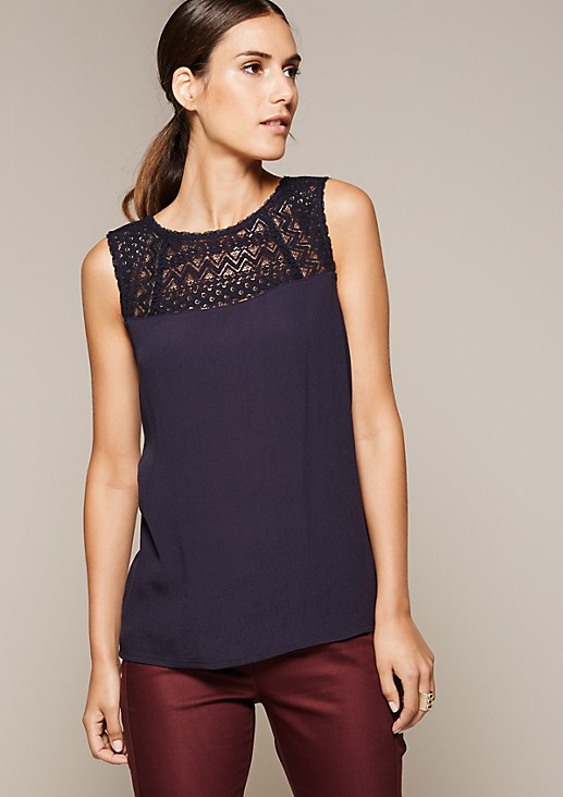 Fine top with delicate lace from s.Oliver