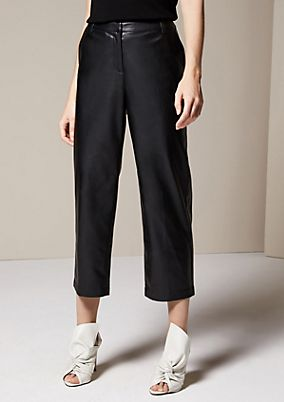 Extravagant 3/4-length trousers in imitation leather from comma