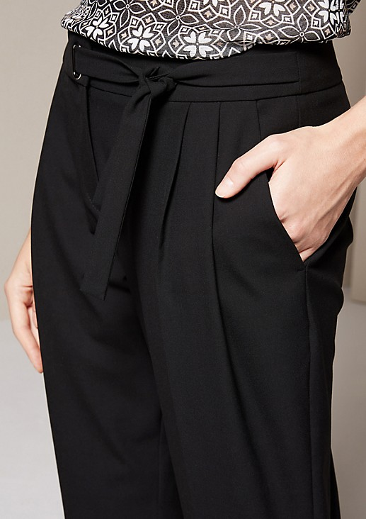 Beautiful business trousers with fabulous details from comma