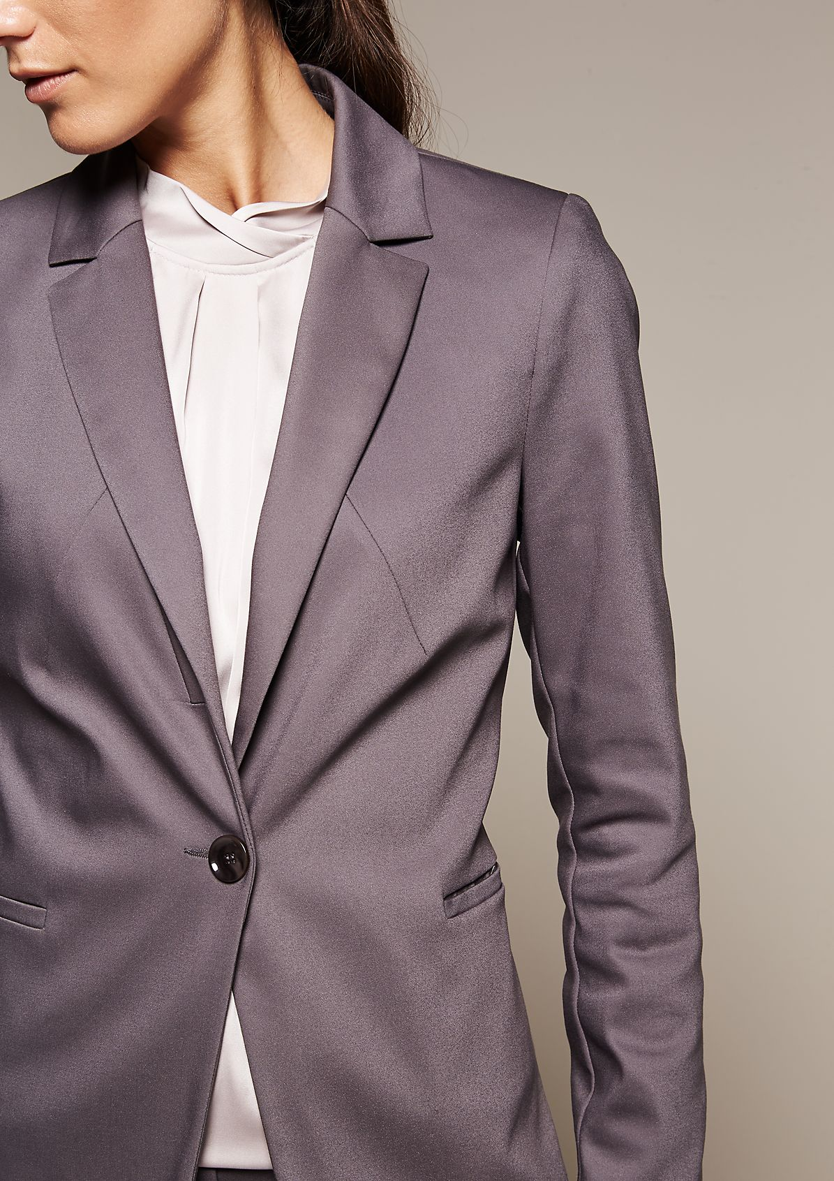 Smart blazer with beautiful details from comma