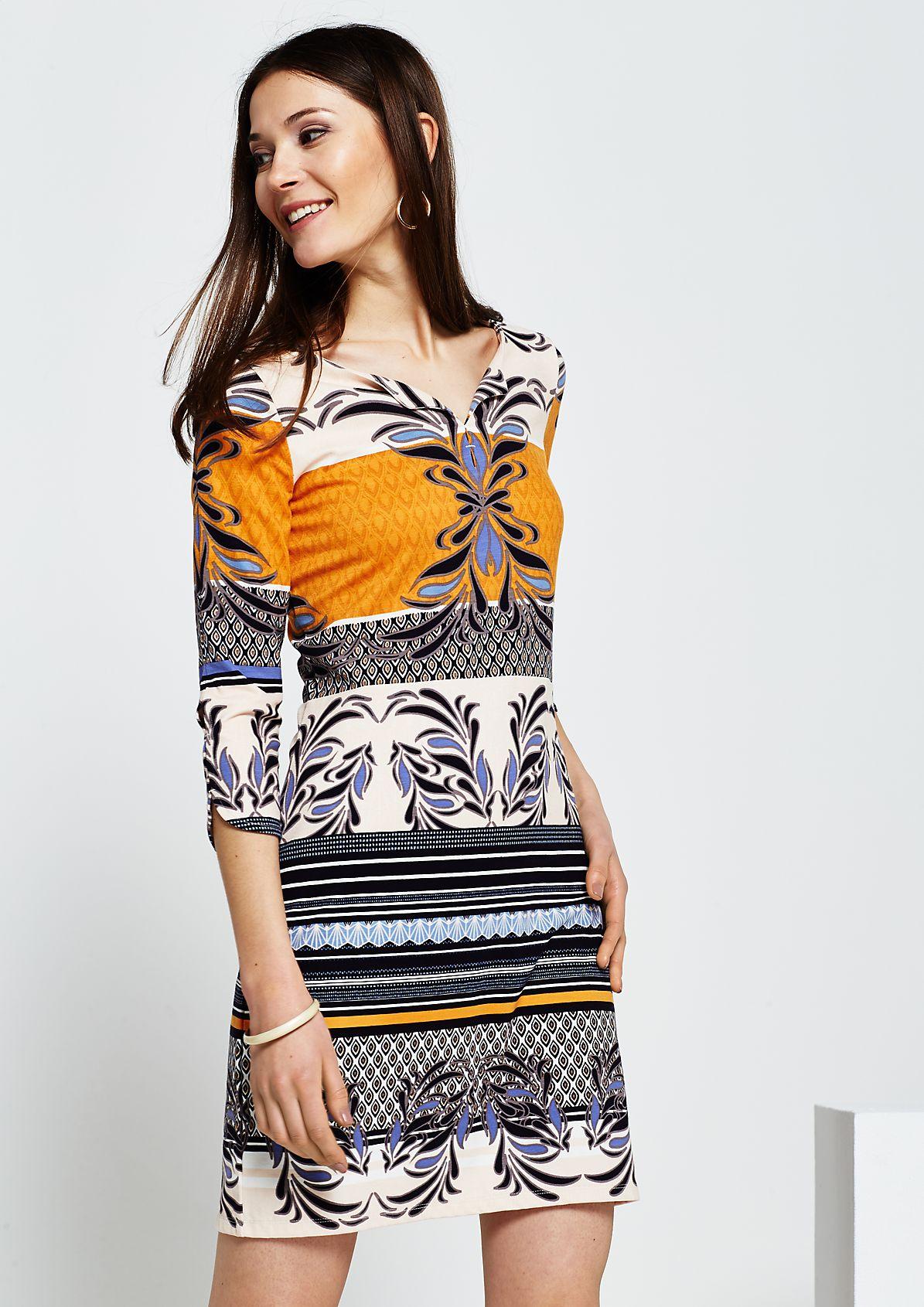 Sportliches 3/4-Arm Kleid mit dekorativem Alloverprint