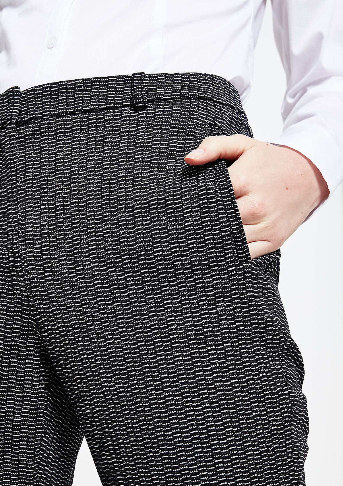 Edle 7/8-Businesspants mit feinem Musterspiel