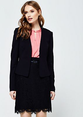 Soft blazer with sophisticated details from comma
