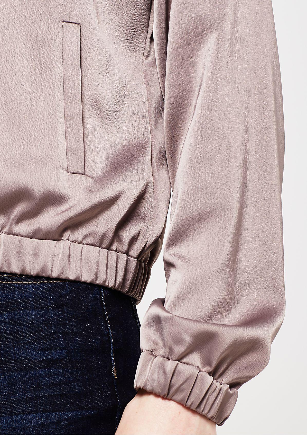 Glänzender Blouson mit smarten Details