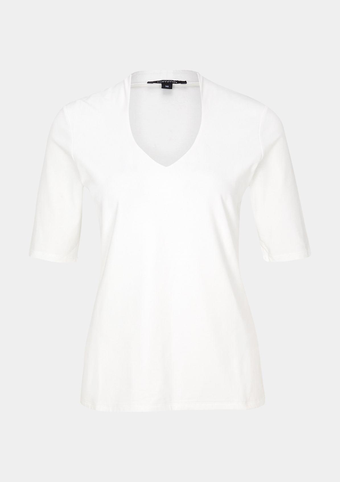 Sommerliches Jerseyshirt mit raffinierten Detailarbeiten
