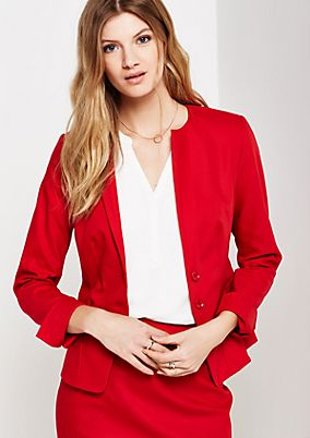 Extravagant business blazer with smart details from comma