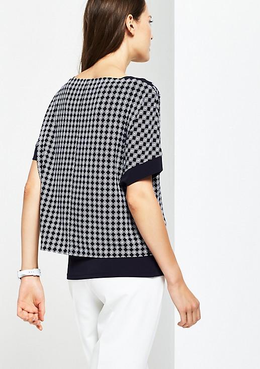 Kurzarm-Jerseyshirt mit Minimal-Alloverprint