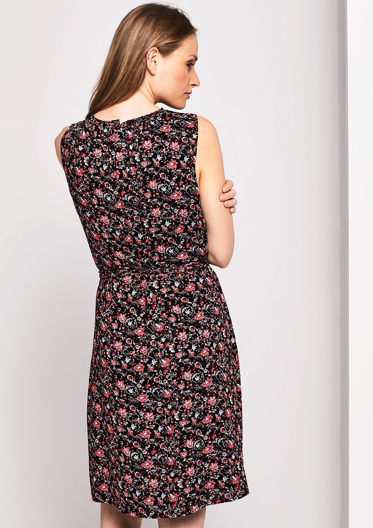 Casual summer dress with a decorative all-over pattern from s.Oliver