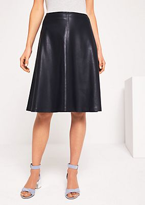 Smart skirt made of soft imitation leather from comma