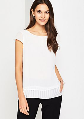 Delicate crêpe blouse with glamorous details from comma
