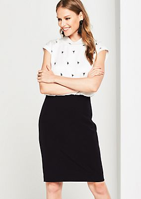 Elegant business dress with fine details from comma