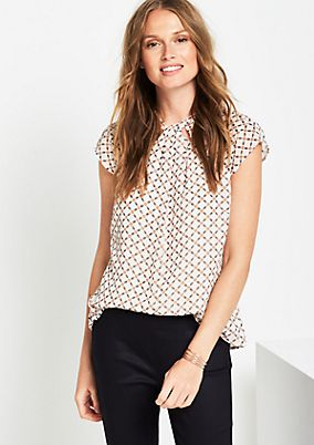 Short sleeve crêpe blouse with an all-over pattern from comma