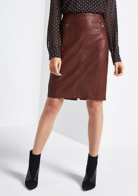 Soft leather skirt with sophisticated details from comma