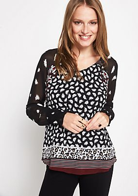 Delicate crêpe blouse with an all-over pattern from comma