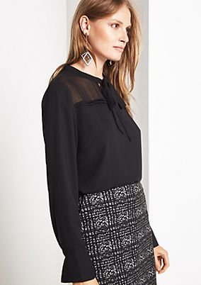 Delicate crêpe blouse with decorative details from comma