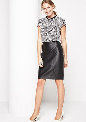 Extravagant faux leather skirt with fine details from comma