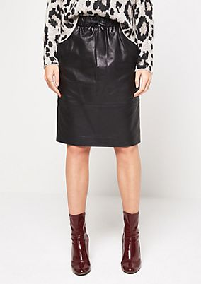 Short genuine leather skirt with sophisticated details from comma