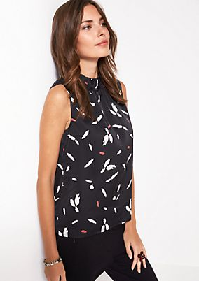 Elegant satin top with an all-over print from comma