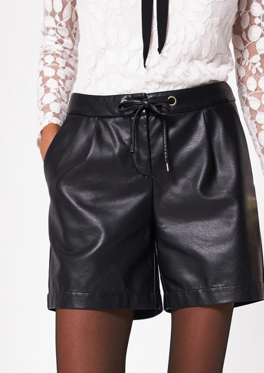 Casual faux leather shorts from comma