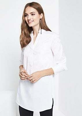 Elegant long blouse with a V-neckline from comma