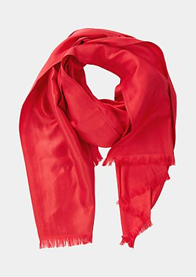 Shiny scarf with decorative fringing from comma
