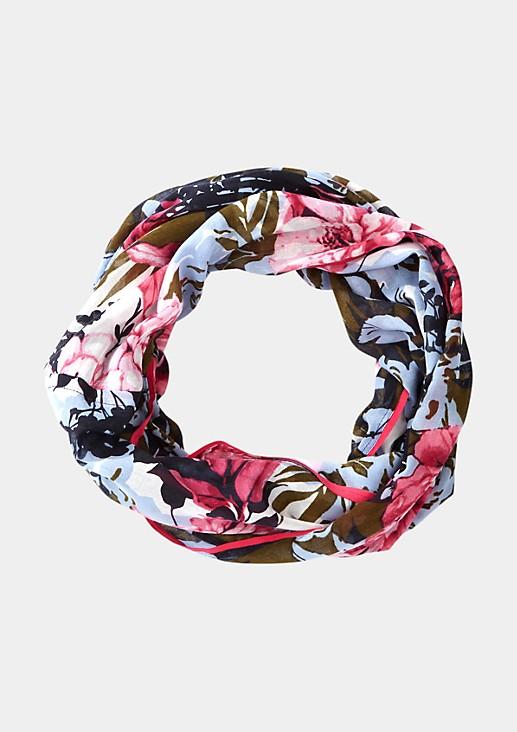 Zarter Loopschal mit liebevoll gestaltetem Alloverprint