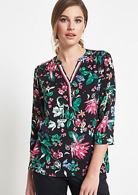 3/4-sleeve blouse with an elaborate all-over print from comma